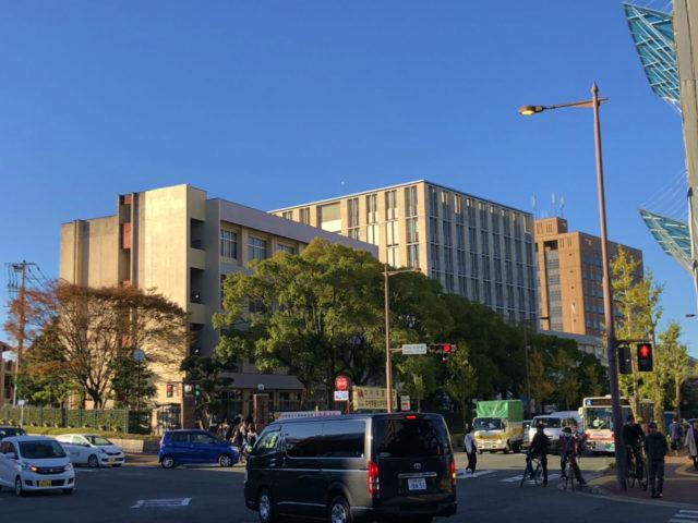 福岡大学商学部棟